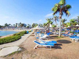 Пляжный отдых у отеля